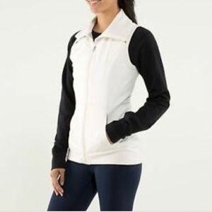 Lululemon white won't stop vest logo top sz 6